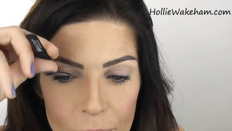 Learn The Trick To Apply False Eyelashes Flawlessly - Step 11