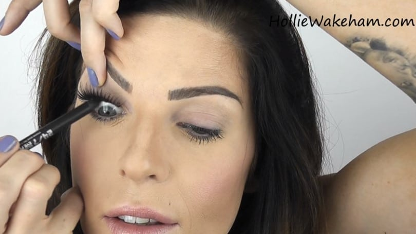 Learn The Trick To Apply False Eyelashes Flawlessly - Step 15