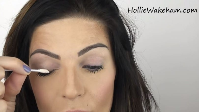 Learn The Trick To Apply False Eyelashes Flawlessly - Step 4