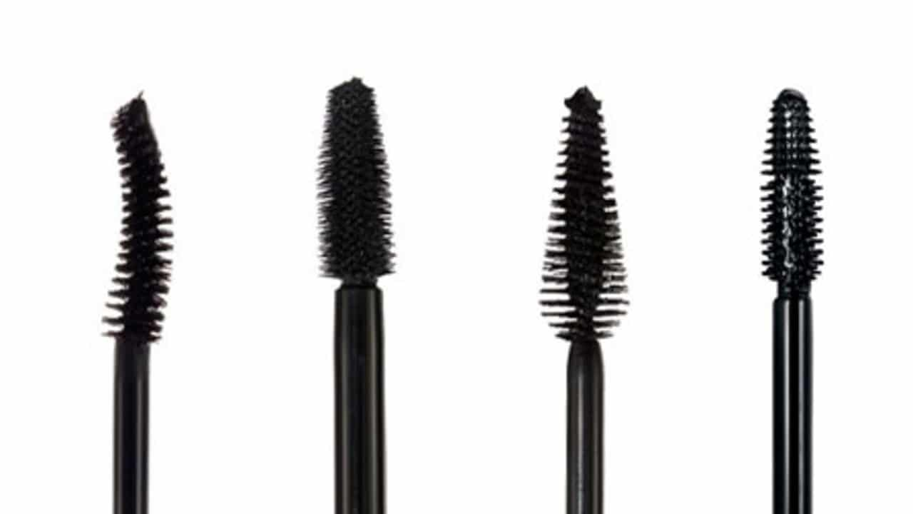 5 best mascaras for short lashes that actually work in 2018 for Mascara with comb wand